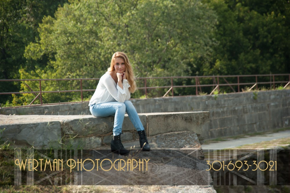 senior picture outdoors